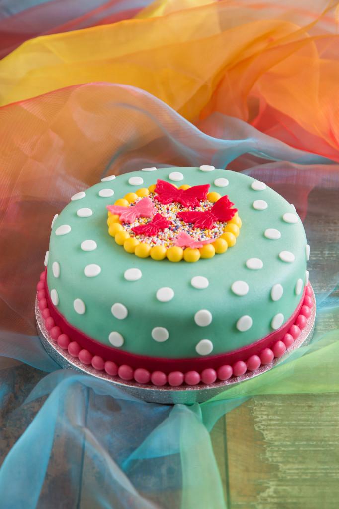Super Hoe decoreer ik een taart met fondant? - Zoetrecepten @VS84