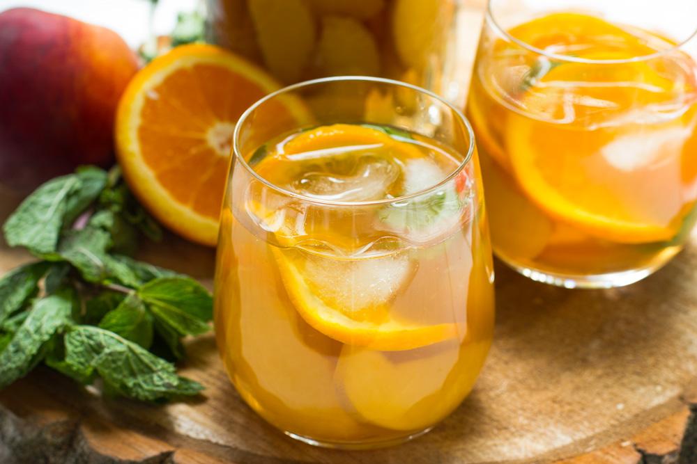 Homemade perzik sinaasappel ice tea