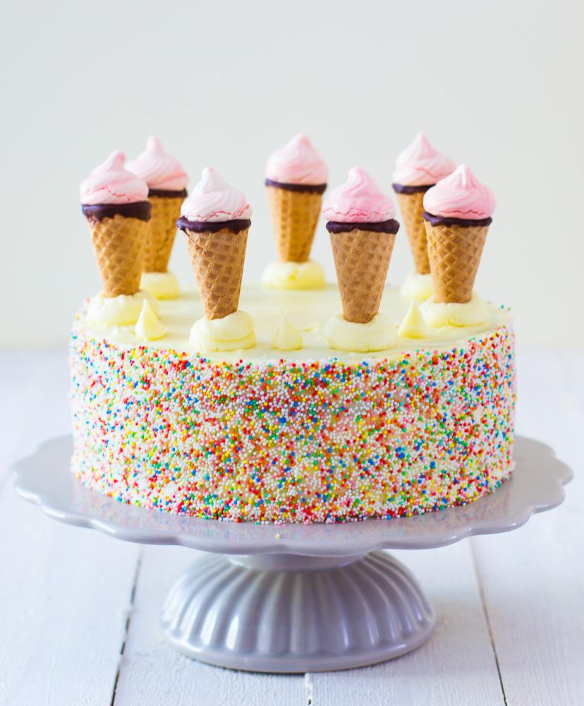 De ultieme verjaardagstaart met ijsjes en discodip zoetrecepten - Idee deco meid ...