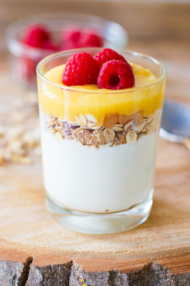 Muusli lemon curd ontbijtglaasje