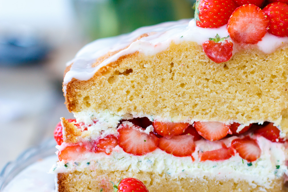 Aardbeiencake met basilicum mascarpone vulling