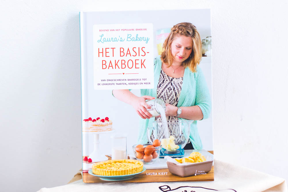 REVIEW & WIN: LAURA'S BAKERY HET BASIS BAKBOEK
