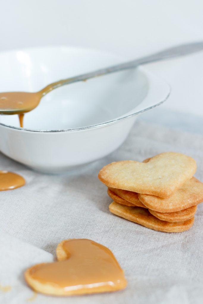 Karamel sandwich cookies