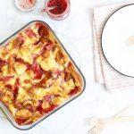Citroenbroodpudding met aardbeienjam