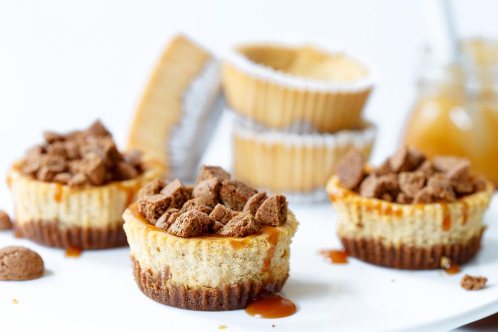Mini salted caramel swirl pepernotencheesecakejes