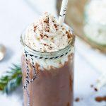 Chocococomelk met koffielikeur en kokosslagroom