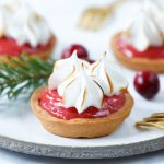 Mini cranberry meringue taartjes