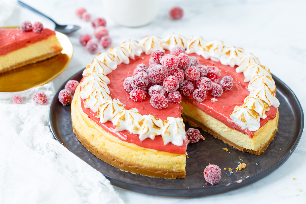 Cranberry meringue cheesecake