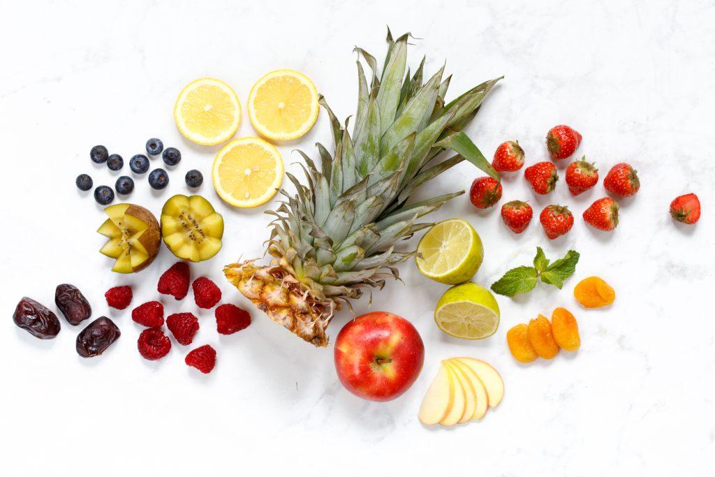 Bakken met fruit