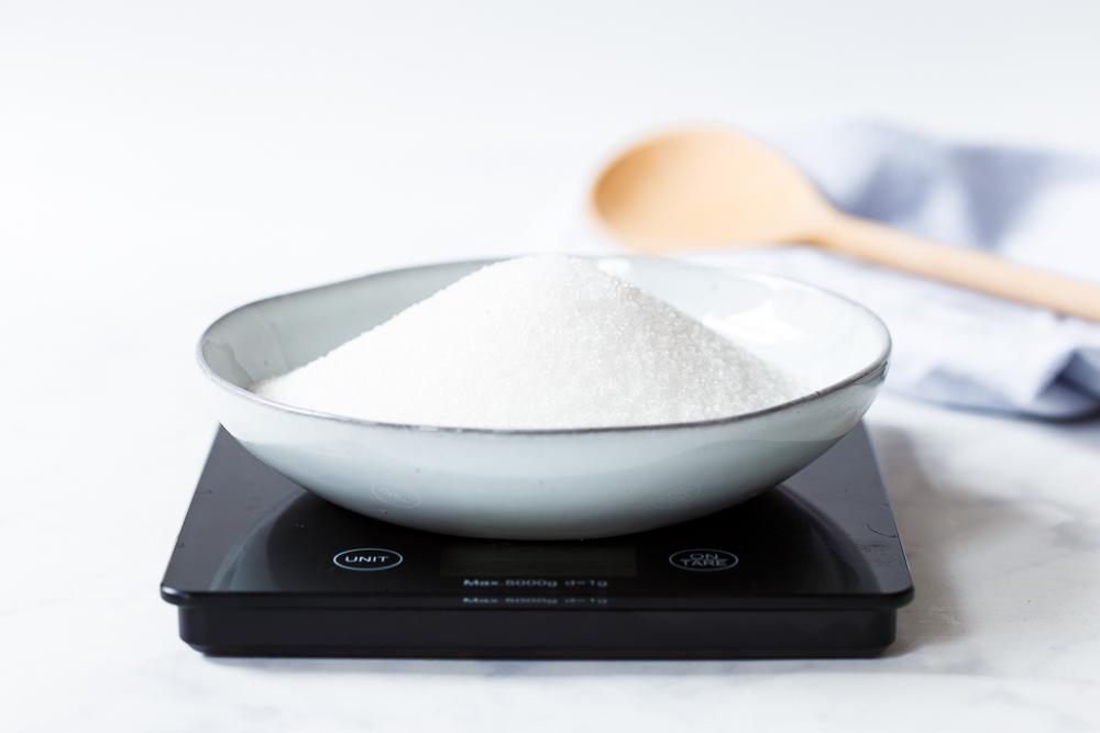 De rol van suiker tijdens het bakken