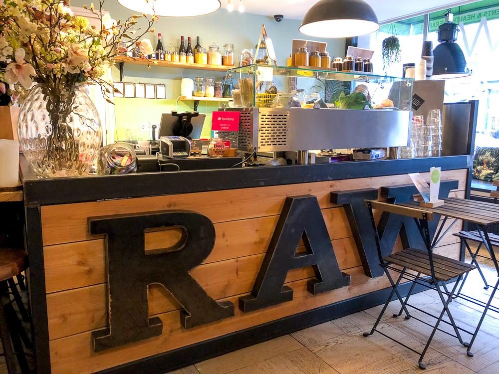Raw food cafe