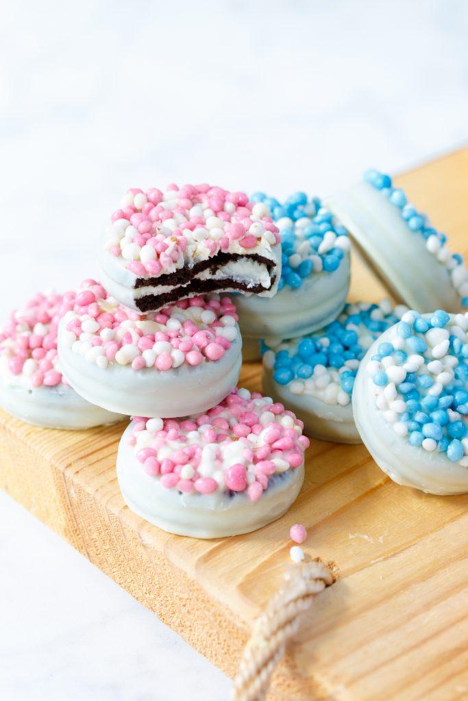 Koekjes met witte chocolade en muisjes