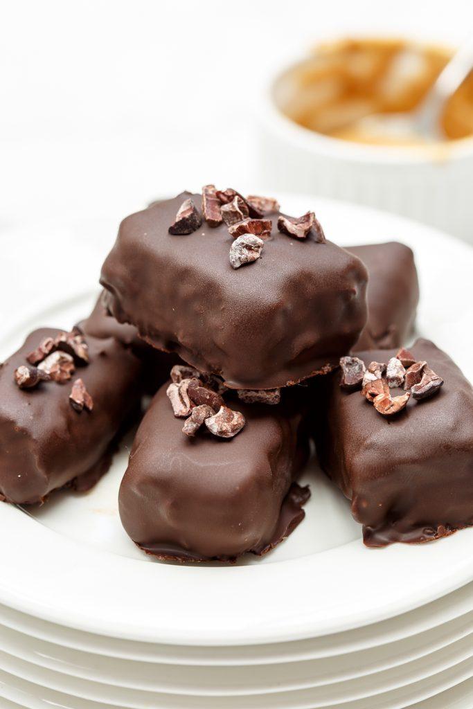 Cacao-dadelkaramel bonbons