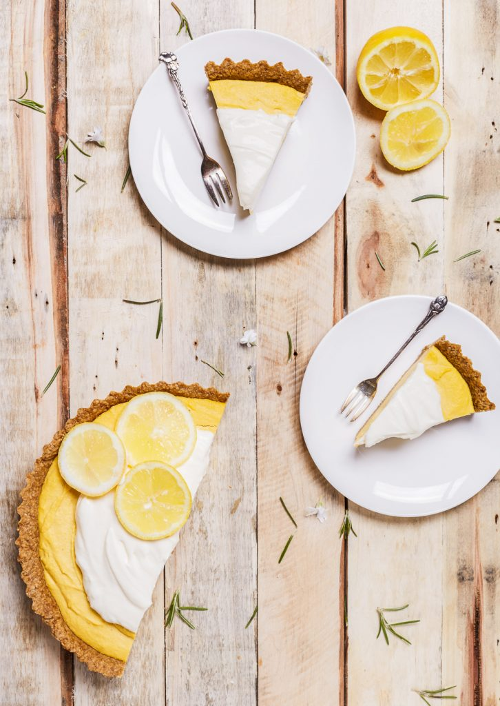 Creamy lemon & coconut pie