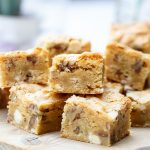 Blondies met pecannoten